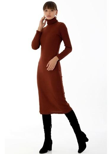 Emjey Boğazlı Uzun Elbise Kiremit